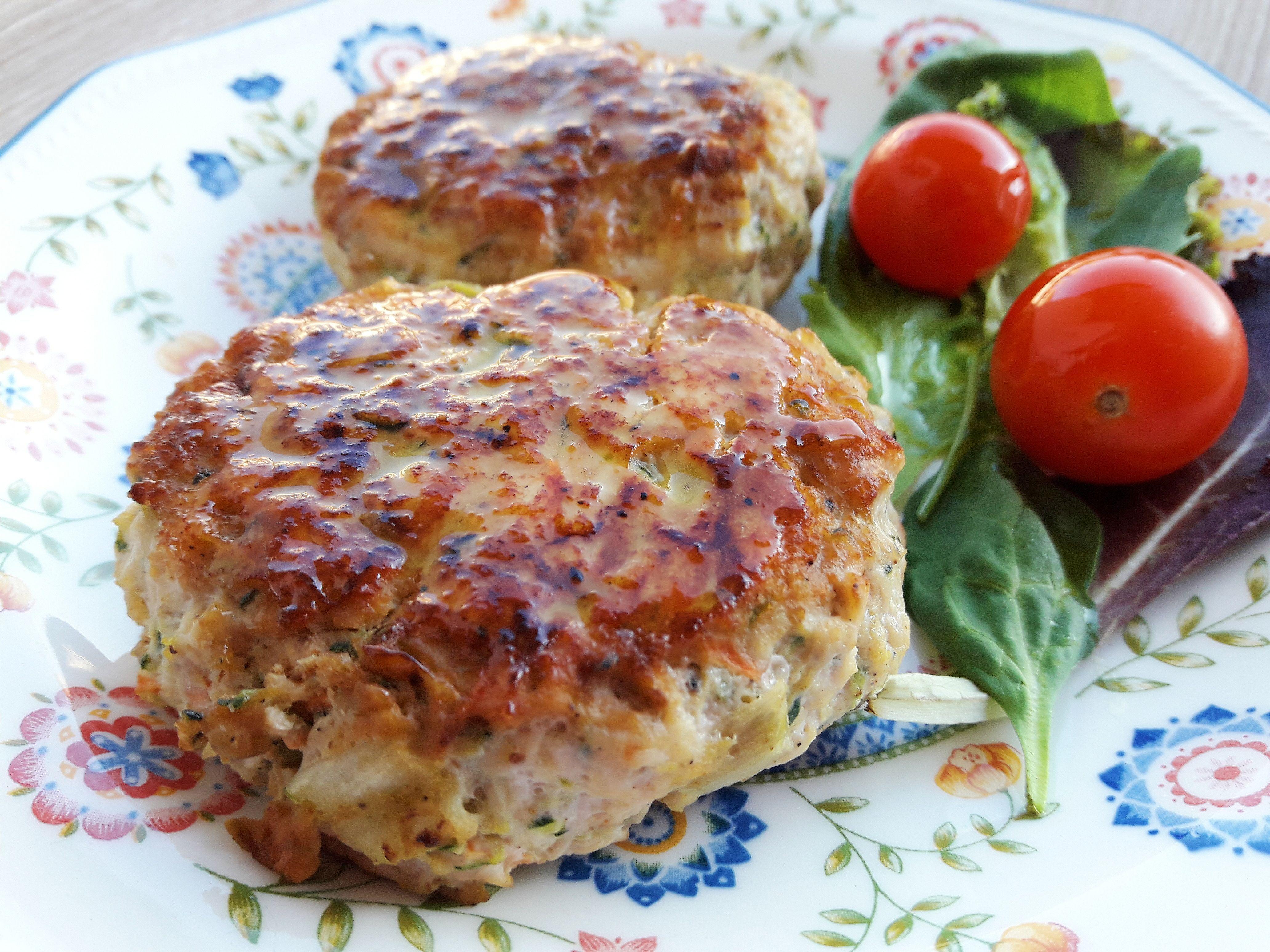 Hamburguesas jugosas de pollo y verduras - Hamburguesa de verduras ...